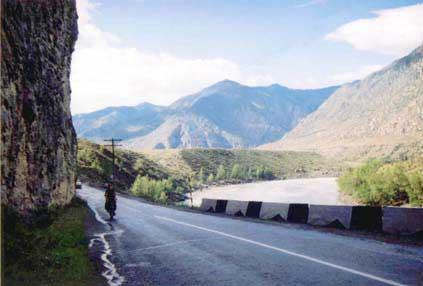 Фото 8. Чуйский тракт вдоль Катуни