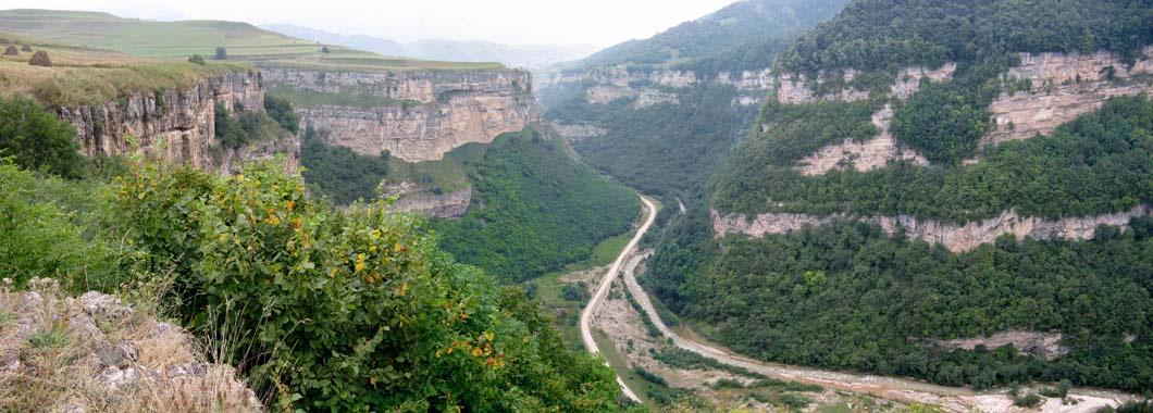 Фото 6. Ущелье реки Гунделен